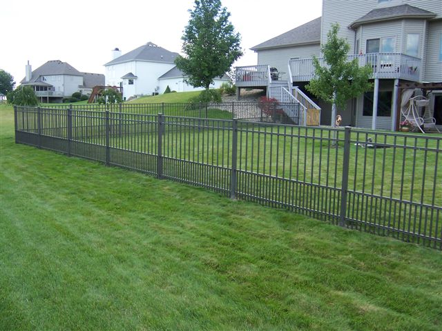 Aluminum fencing vinyl by design